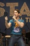 Andy Karl Performs à 2015 étoiles dans l'allée Photos stock