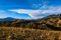 Andyjski krajobraz w ranku i wybucha Cotopaxi volcan obrazy royalty free