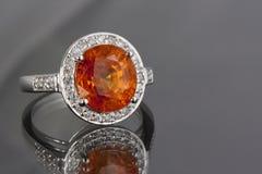 Anel da grandada e de diamantes Imagem de Stock