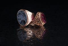 Anel da joia isolado no fundo preto Imagem de Stock Royalty Free