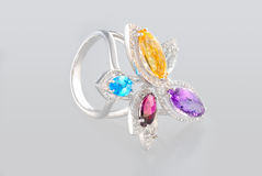 Anel da platina com diamantes Fotografia de Stock