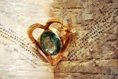 Anel dado forma coração Fotografia de Stock