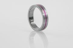 Anel de aço inoxidável com embutimento violeta 3 Imagens de Stock Royalty Free