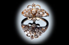 Anel de diamante do casamento imagens de stock royalty free