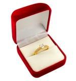 Anel de diamante do ouro Fotografia de Stock Royalty Free