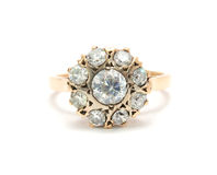 Anel de ouro com diamantes Imagens de Stock