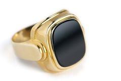 Anel dourado do onyx Fotografia de Stock