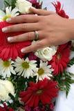 Anel e ramalhete de casamento Fotos de Stock