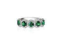Anel esmeralda verde da faixa do aniversário imagem de stock