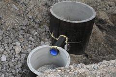 Anelli concreti per un sistema di drenaggio della precipitazione eccezionale fotografia stock
