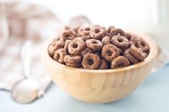 Anelli del cereale del cioccolato Fotografie Stock