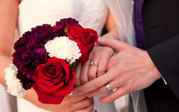 Anelli di cerimonia nuziale & Boquet Fotografie Stock