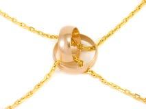 Anelli di cerimonia nuziale dorata Fotografie Stock Libere da Diritti