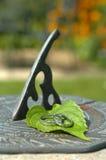 Anelli di cerimonia nuziale e del Sundial Fotografie Stock