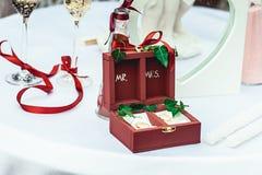 Anelli di cerimonia nuziale nella casella Fotografia Stock Libera da Diritti