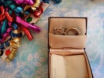 Anelli in una scatola Immagini Stock