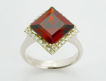 Anello con i diamanti Immagini Stock Libere da Diritti