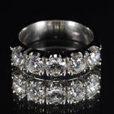 Anello con i diamanti Fotografie Stock Libere da Diritti