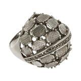 Anello d'argento su un fondo bianco Immagine Stock