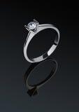 Anello dei gioielli con il diamante Fotografia Stock