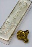 Anello della pepita di oro - lingotto d'argento Antivari fotografia stock