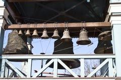 Anello delle campane di chiesa fuori Fotografie Stock Libere da Diritti