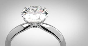 Anello di diamante del solitario stock footage