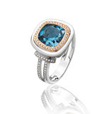 Anello di diamante dello zaffiro Fotografia Stock Libera da Diritti