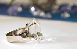 Anello di diamante falso Fotografia Stock Libera da Diritti