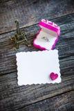 Anello di diamante in una scatola di rosso del velluto Fotografia Stock Libera da Diritti