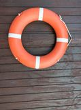 Anello di galleggiamento di sicurezza del salvagente per il nuoto ed il mare Fotografia Stock Libera da Diritti