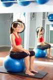 Anello di magia di esercizio dei pilates della donna incinta Fotografia Stock Libera da Diritti