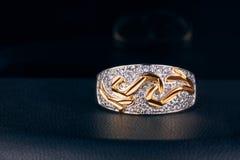 Anello di oro con brillante Fotografia Stock Libera da Diritti