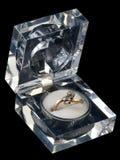 Anello di oro con la pietra due fotografia stock