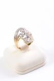 Anello di oro e del diamante fotografia stock