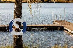 Anello di salvataggio da un lago Immagini Stock Libere da Diritti