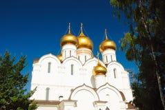 Anello dorato della Russia, Yaroslavl. Nuova cattedrale di presupposto Immagini Stock