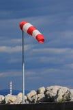 anemometro e tubo bianchi Rosso del fumo Fotografia Stock