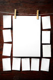 Anexo do papel da foto a rope com pinos de roupa Fotos de Stock