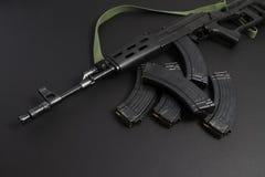 Anfallgevär AK-47 royaltyfri foto