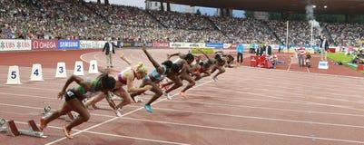 Anfang der 100m Frauen Lizenzfreies Stockbild