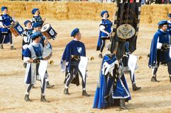Anfang der Trüffel, die in alba angemessen ist (Cuneo), ist für mehr als 50 Jahre, das Eselrennen gehalten worden Stockfoto