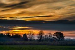 Anfang November Morgen in der lettischen Landschaft Lizenzfreie Stockfotografie
