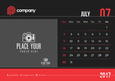 Anfang Sonntag des Juli-Tischkalender-Design-2017 lizenzfreie abbildung