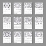Anfang Sonntag des Kalenders 2017 mit Hand gezeichneter Mandala weinlese Lizenzfreie Stockfotos