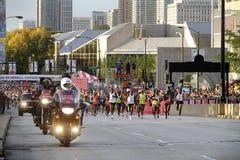 Anfang von Chicago-Marathonrennen 2009 stockbild