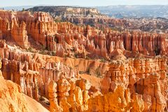 Anfiteatro del punto de la inspiraci?n con las formaciones de piedra en la salida del sol, Bryce Canyon National Park, Utah, los  fotos de archivo libres de regalías