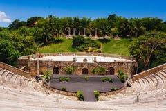 Anfiteatro en el pueblo antiguo Altos de Chavon - Imagen de archivo libre de regalías