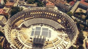 Anfiteatro romano antigo famoso na Croácia video estoque