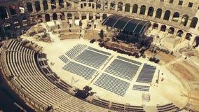 Anfiteatro romano antigo famoso nos Pula video estoque